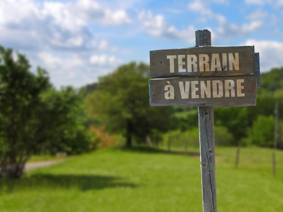 TERRAIN VIABILISE PONT SAINT MARTIN 212000€